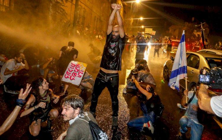 Deep Contradictions of the Protests in Israel - Derya Koca