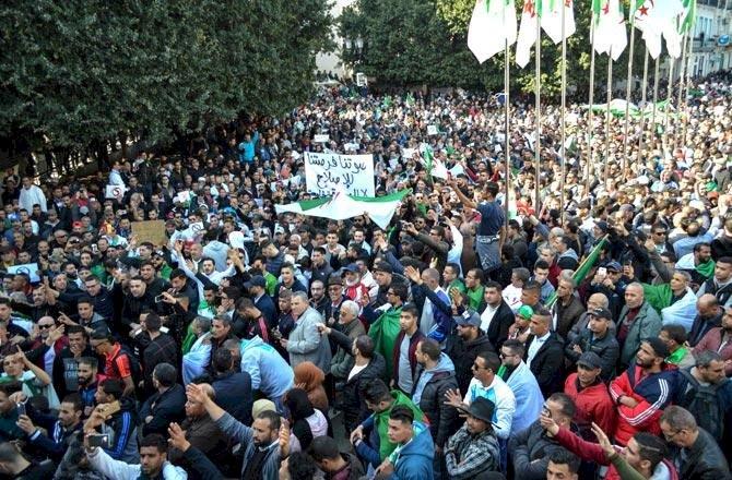 Mass Movement in Algeria, the Question of Program – V.U. Arslan