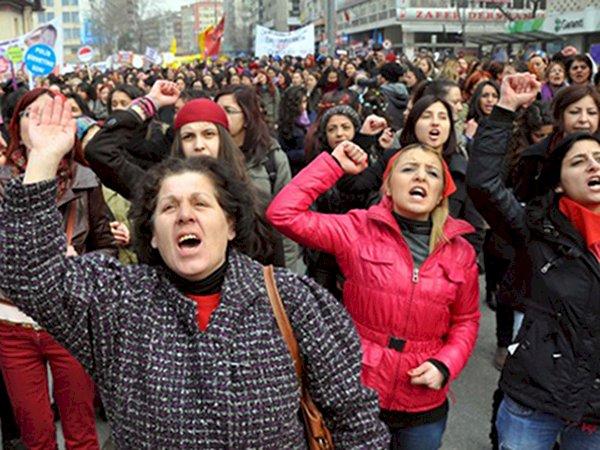 Women Question: What is the Way Out? – Güneş Gümüş